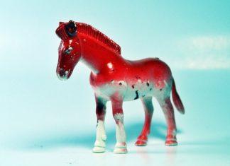 zabawki konie