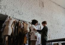 Przydatność manekinów torsu i ekspozytorów