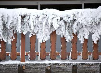 Osłona na balkonie jako wariant ochrony przed warunkami atmosferycznymi